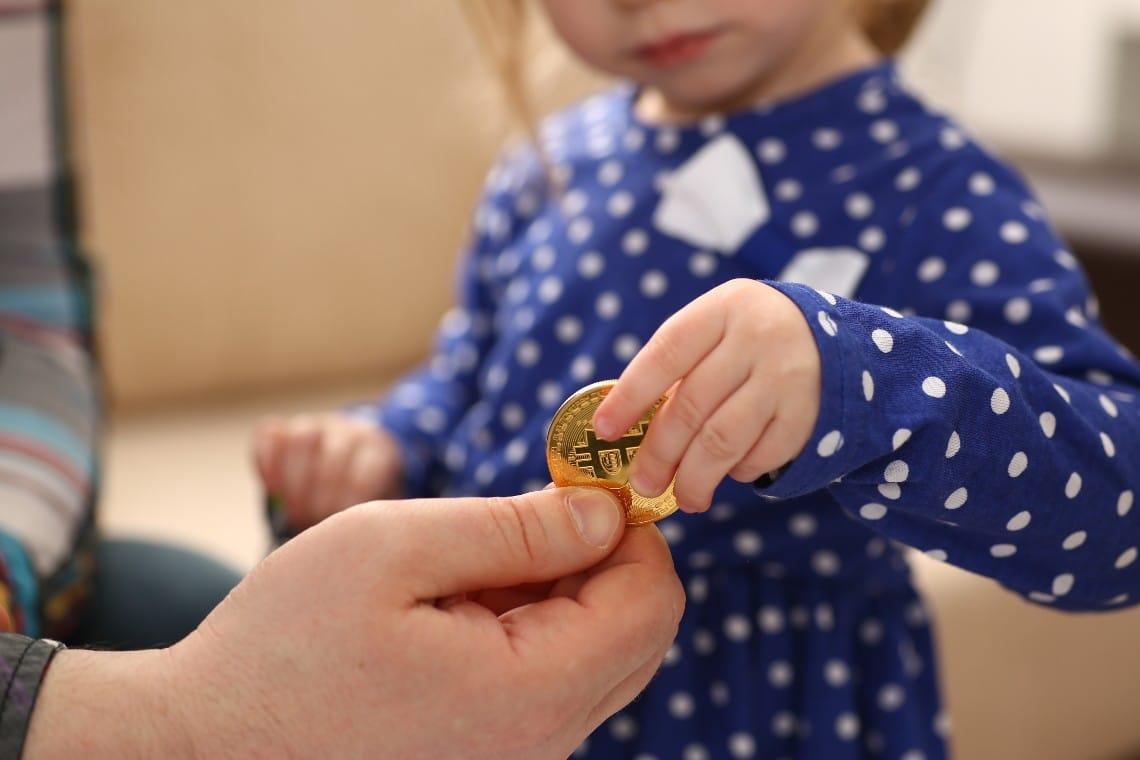 Bitcoin spiegato da una bambina di 3 anni