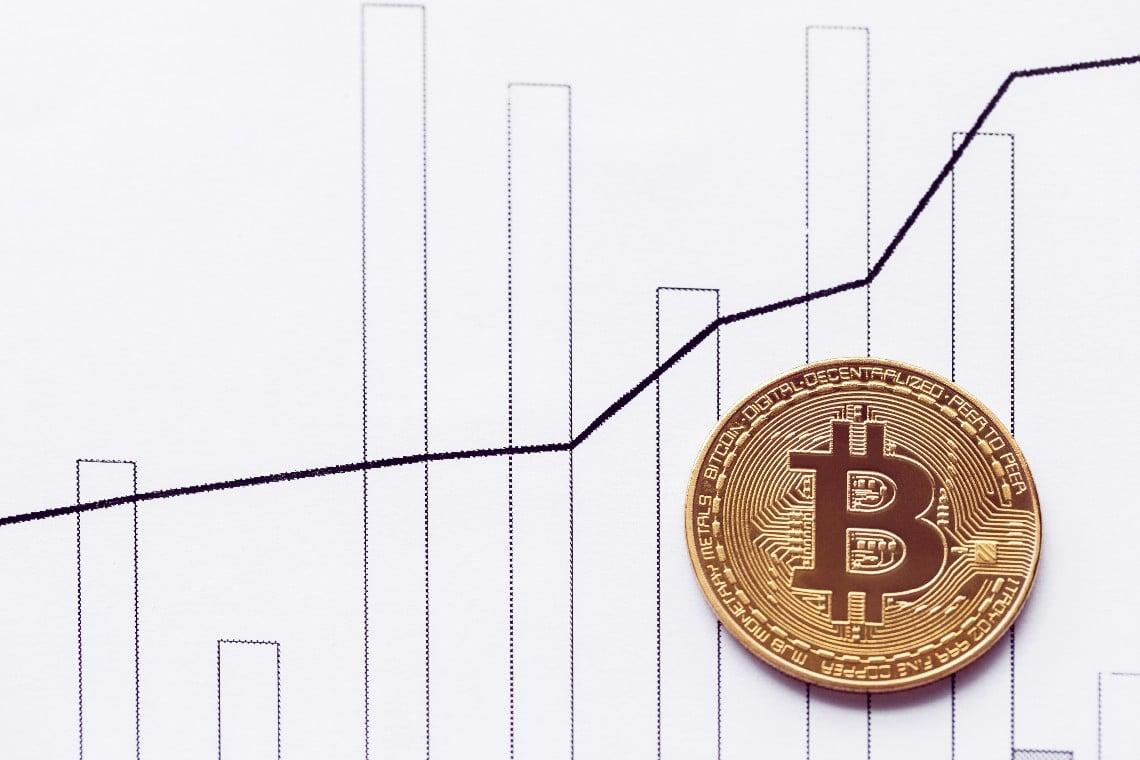 Bitcoin: nuovo massimo di sempre a 48.000 dollari