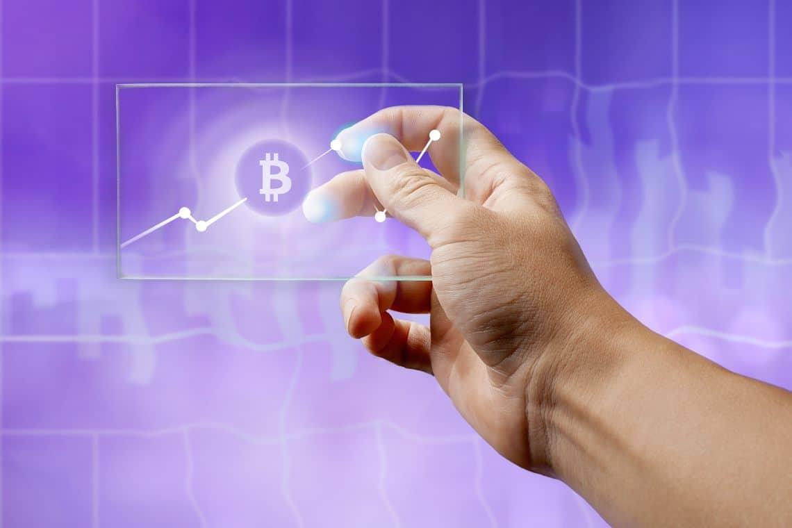 Uber non comprerà bitcoin, ma li accetterà