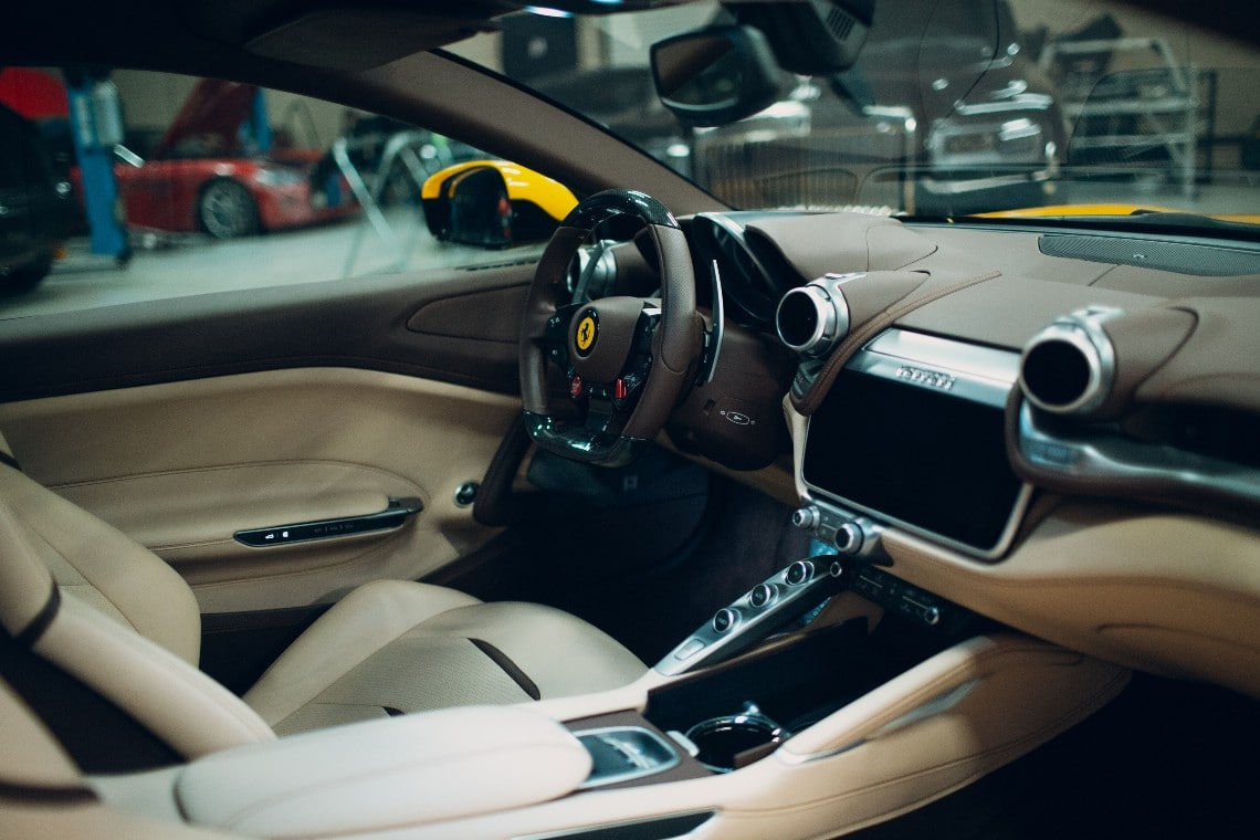 Una Ferrari 360 Modena è stata venduta in Bitcoin a Padova
