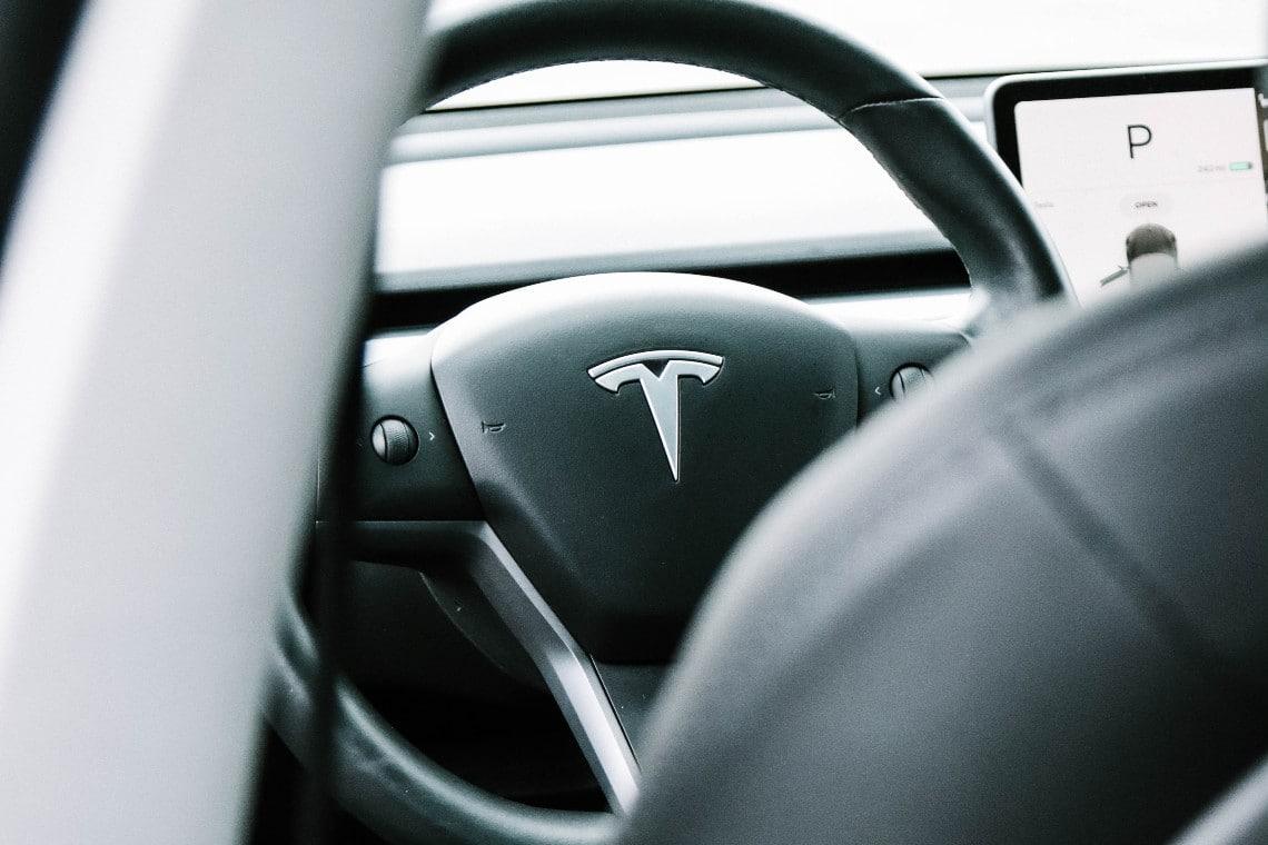 L'investimento di Tesla in bitcoin è  …
