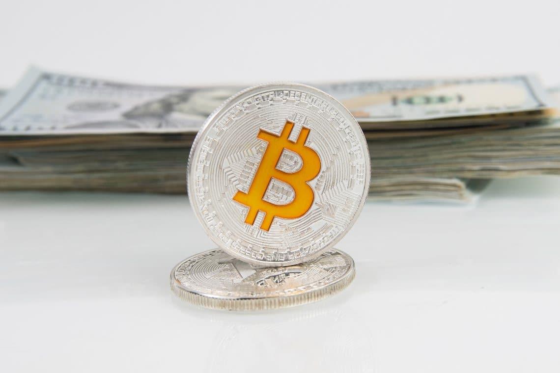 Bitcoin in fase di pullback: – 10% dai massimi nonostante Tesla