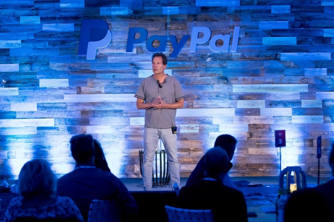Dan Schulman: il CEO di PayPal possiede bitcoin