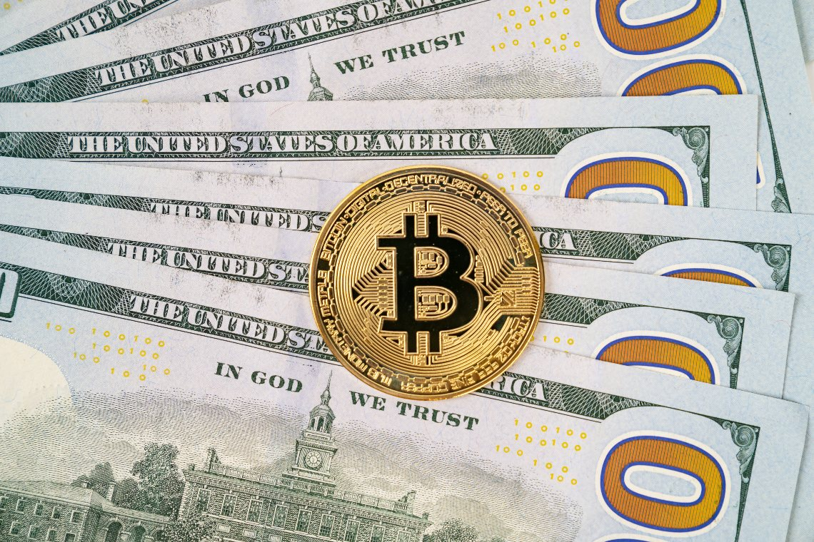 Bloomberg: bitcoin potrebbe raggiungere i 400.000$