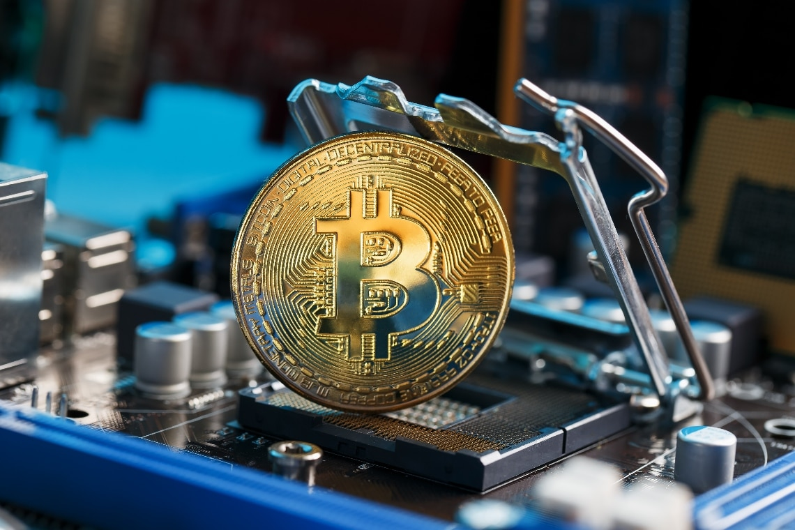 Bitcoin: hash rate ancora basso, ma le fee sono alte