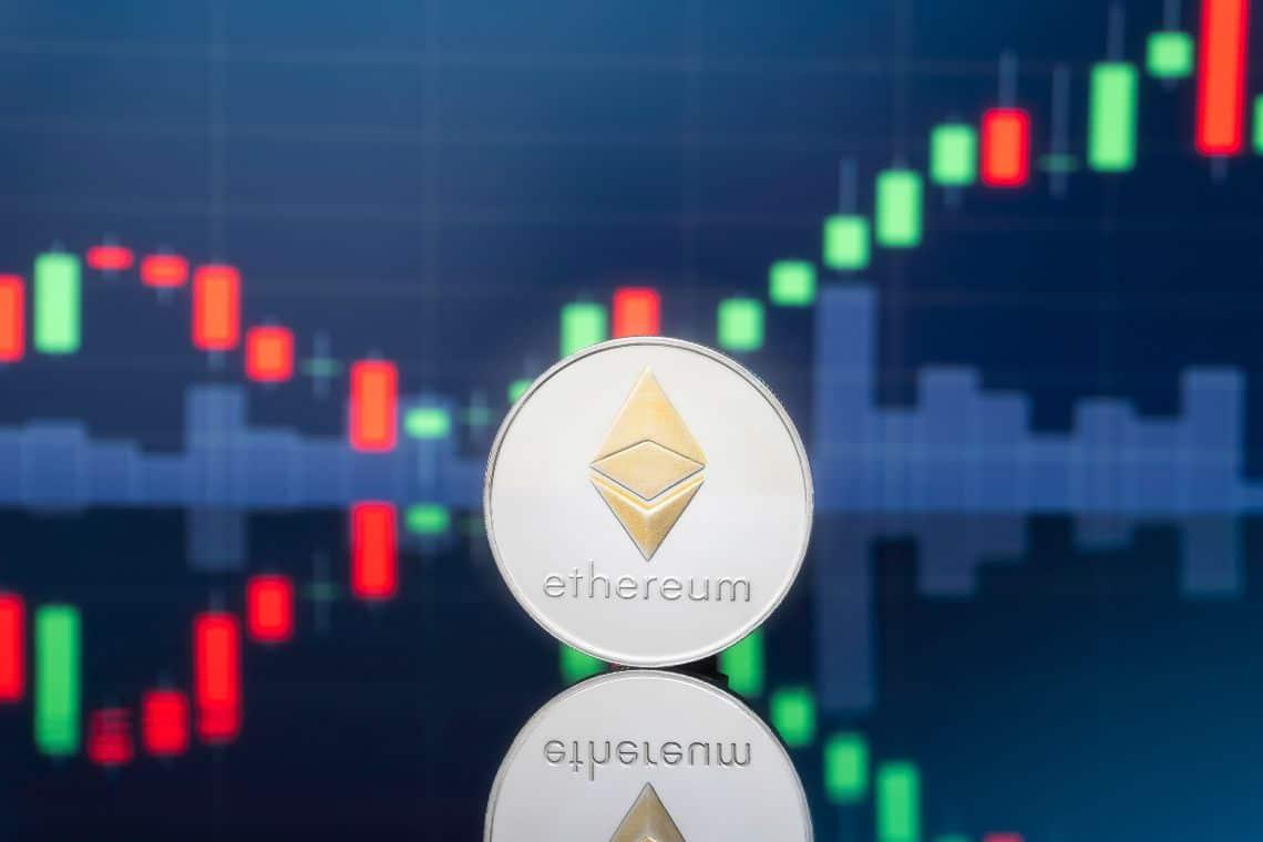 Ethereum:  raggiunti i record assoluti a 2.200 dollari