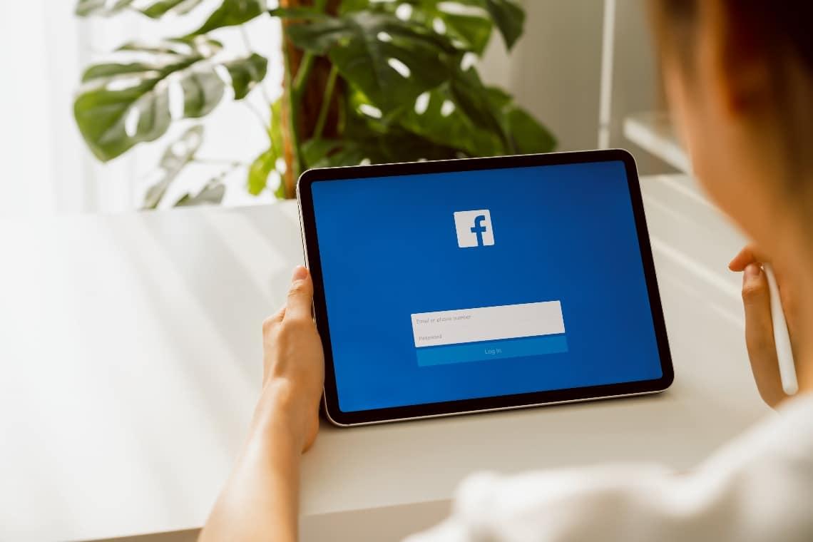 Facebook sta comprando bitcoin?