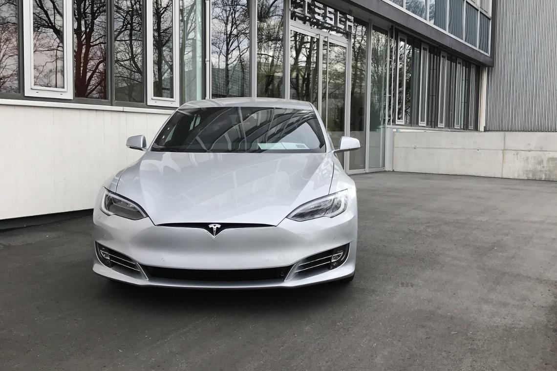 Tesla ha venduto parte dei suoi bitcoin
