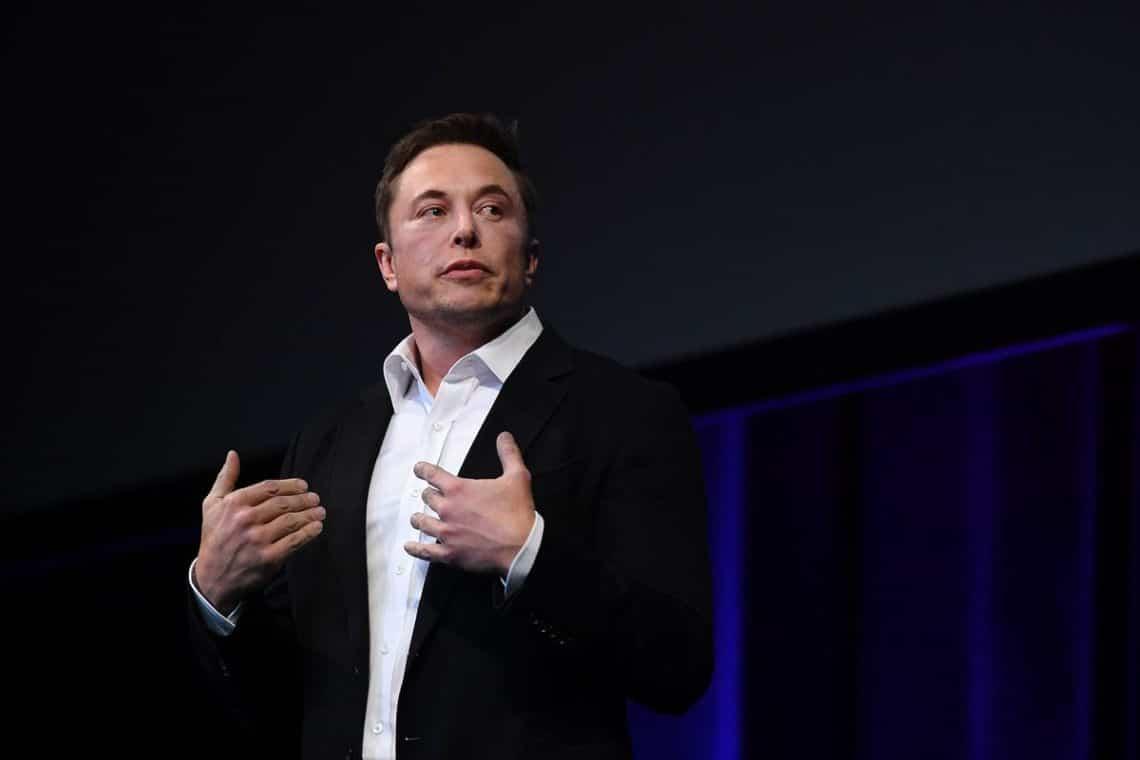 Elon Musk a lavoro con i dev di Dogecoin