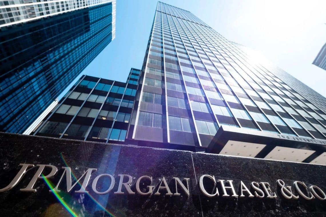 JPMorgan, altro che Bitcoin: $ 500 miliardi in cash