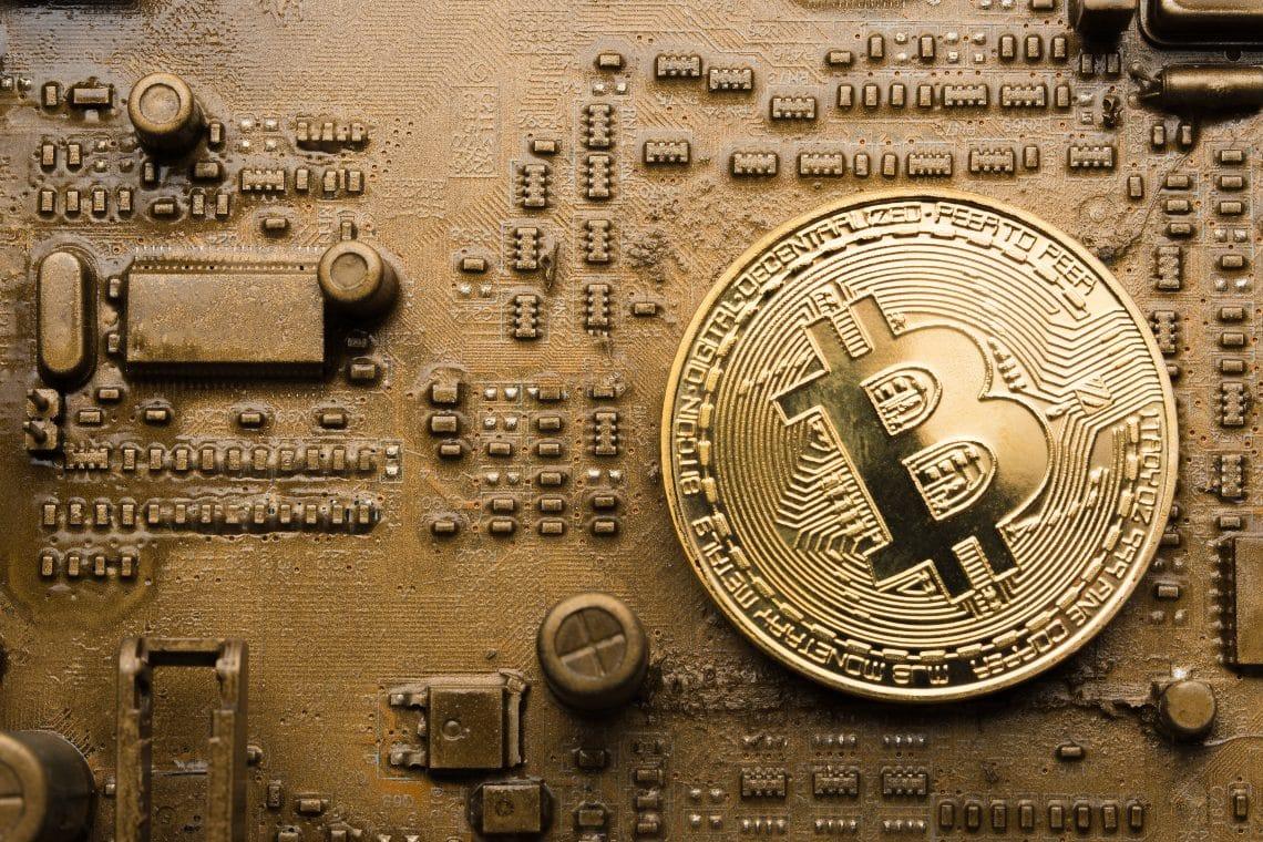 Bitcoin: hashrate tornato ai livelli di ottobre