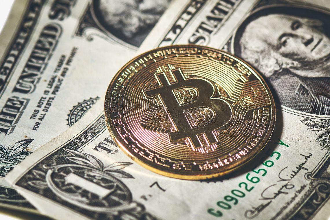 FMI su Bitcoin: preoccupazioni per la decisione di El Salvador