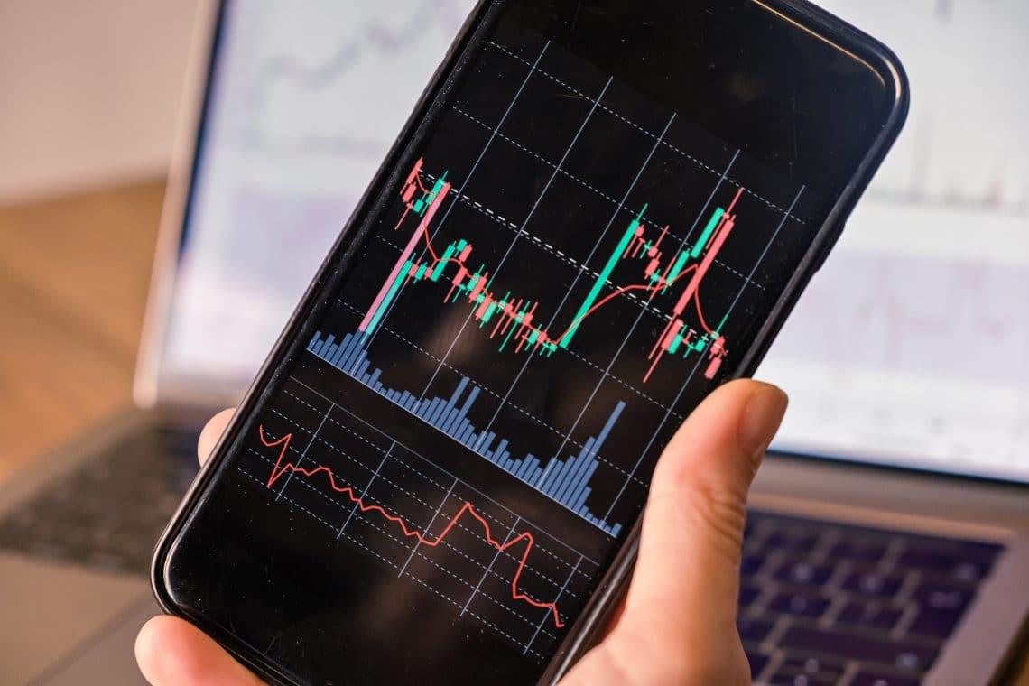 L'importanza di ricevere informazioni in tempo durante il trading di criptovalute
