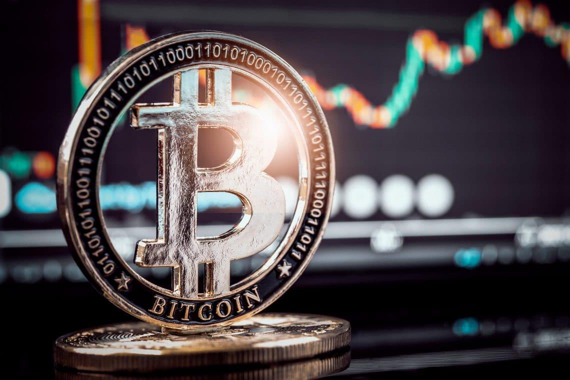 Analisi dei prezzi di Bitcoin ($34k) e Chainlink ($18)