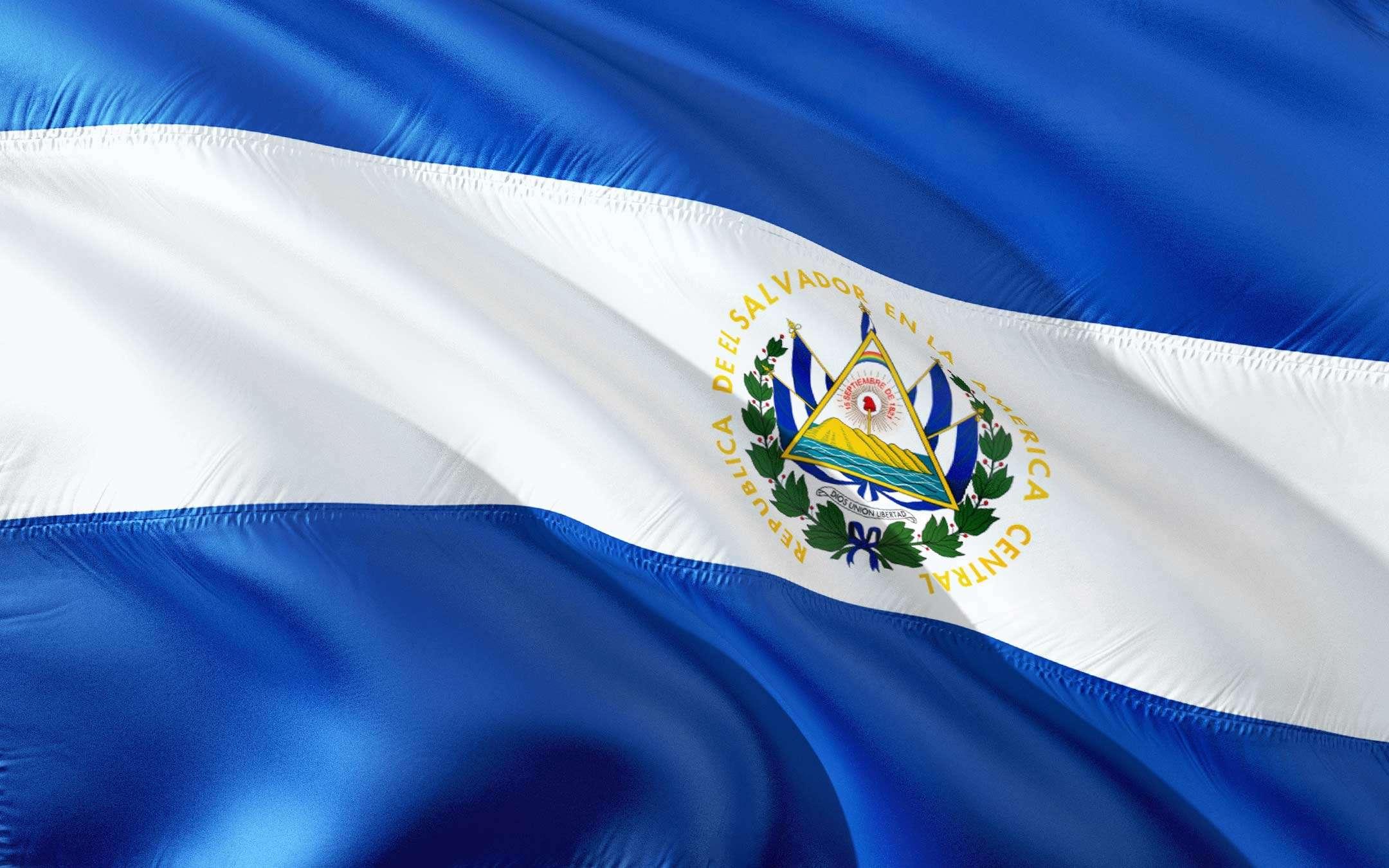 El Salvador: +45% di rimesse