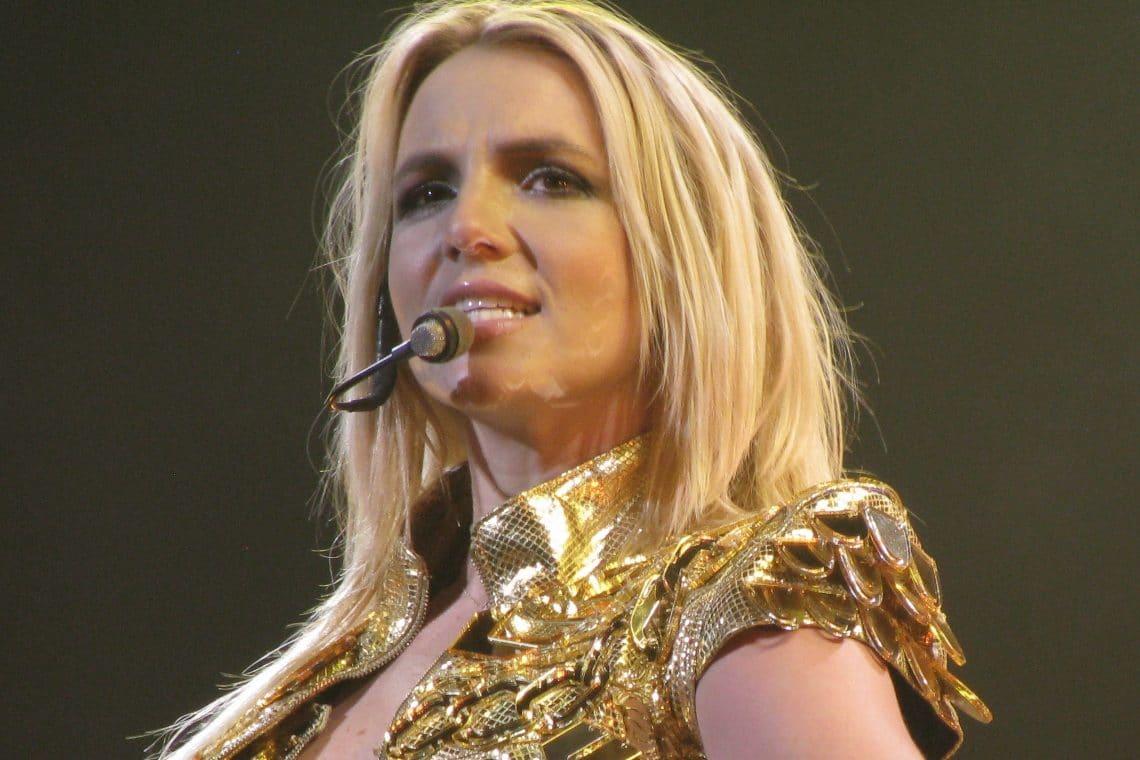 Britney Spears usa Bitcoin contro la tutela del padre