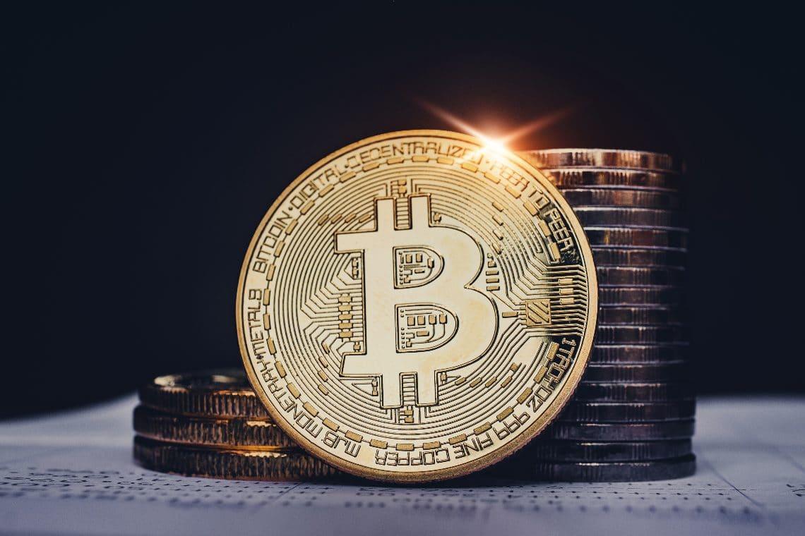 Bitcoin, golden cross in arrivo