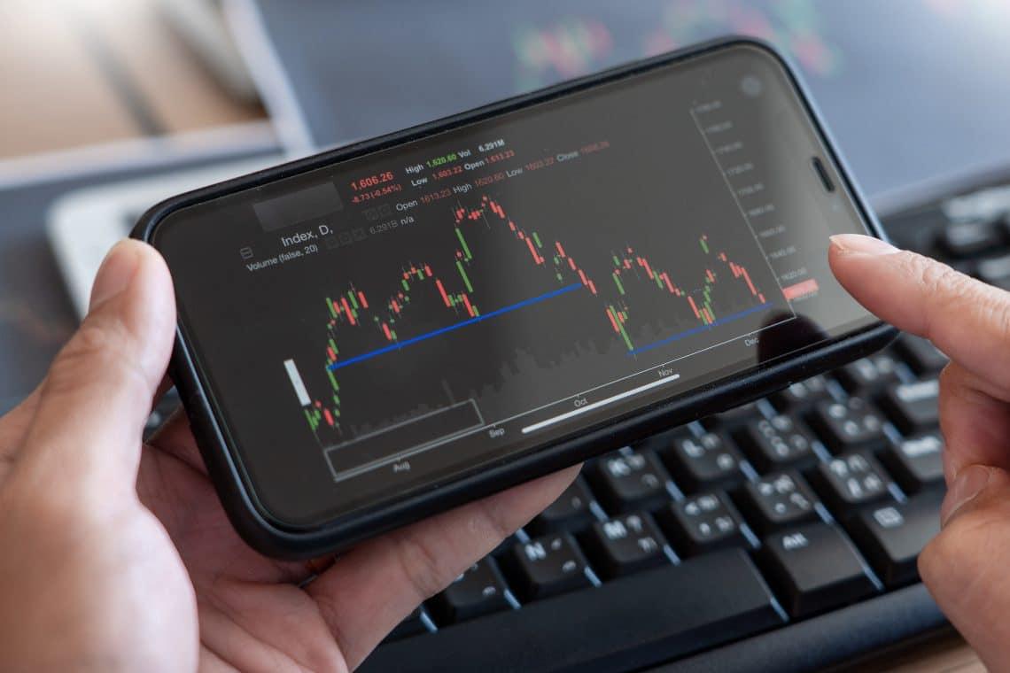 Coinbase (COIN), outlook negativo e problemi legali