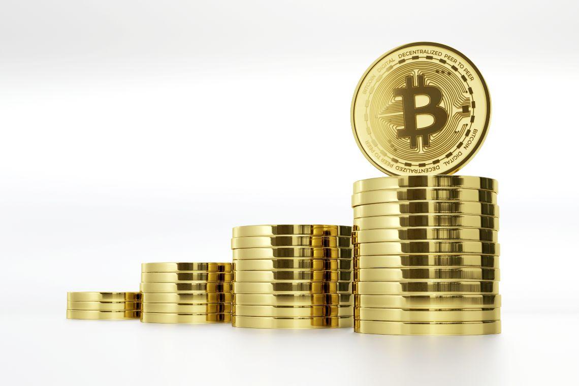 Bitcoin, le riserve su Coinbase ai minimi e il segnale bullish