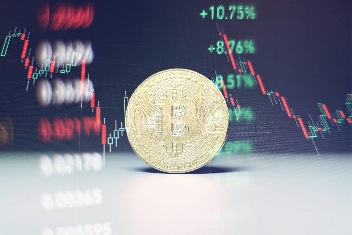 Cifre rosse per Bitcoin, Ethereum e Avalanche: analisi dei prezzi