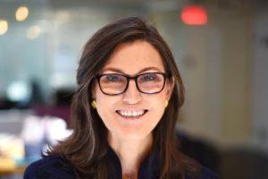 Robinhood: Cathie Wood compra 2,2 milioni di azioni