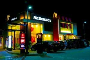 La Cina pressa McDonald's per accettare lo yuan digitale