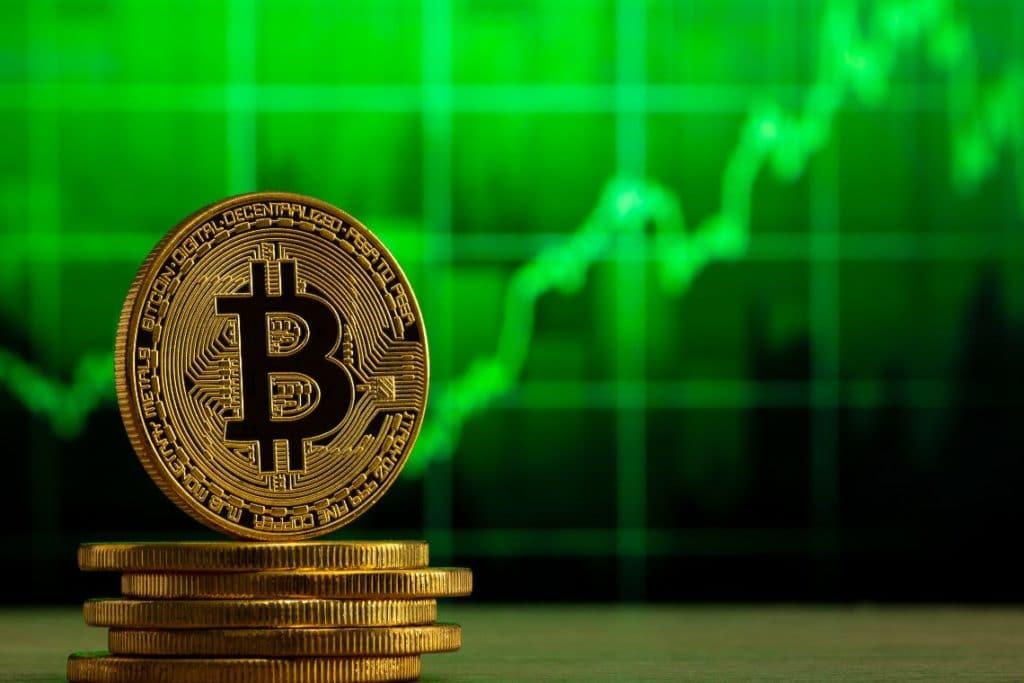 Bitcoin infiamma i mercati crypto, sulle borse paura per Evergrande