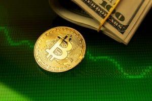 Bitcoin ed Ethereum in rosso, rimbalzo di Binance Coin: analisi dei prezzi