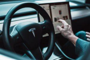 Tesla report Q3: $1,26 miliardi in Bitcoin e crypto