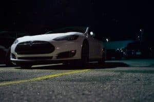 Tesla non si ferma: sale il fatturato
